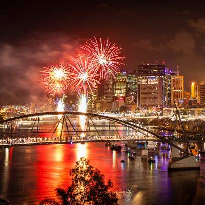 ny-fireworks-brisbane-22823-2